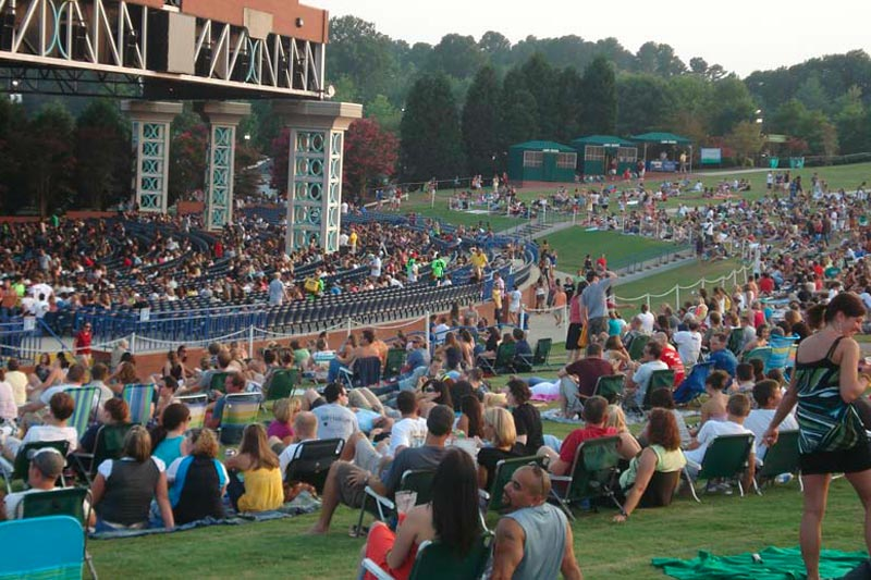 People enjoying and evening concert at Walnut Creek Amphitheater