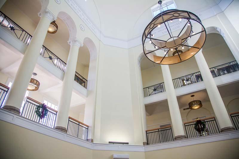 Johnson Hall Rotunda - Holiday decor